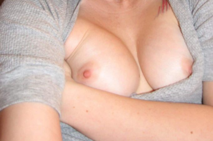 woman with small breasts
