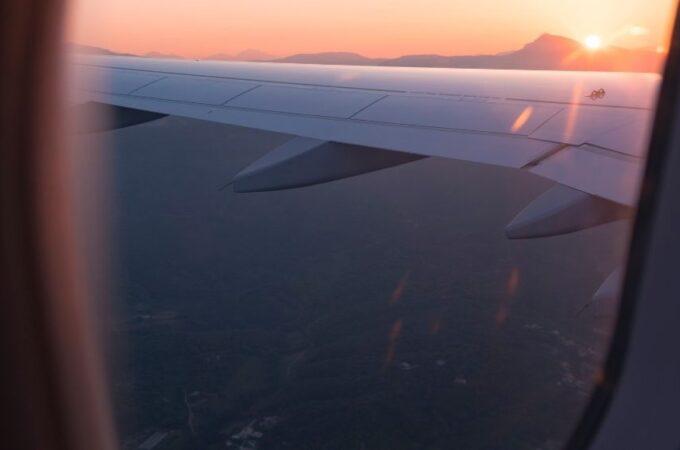 plane windown